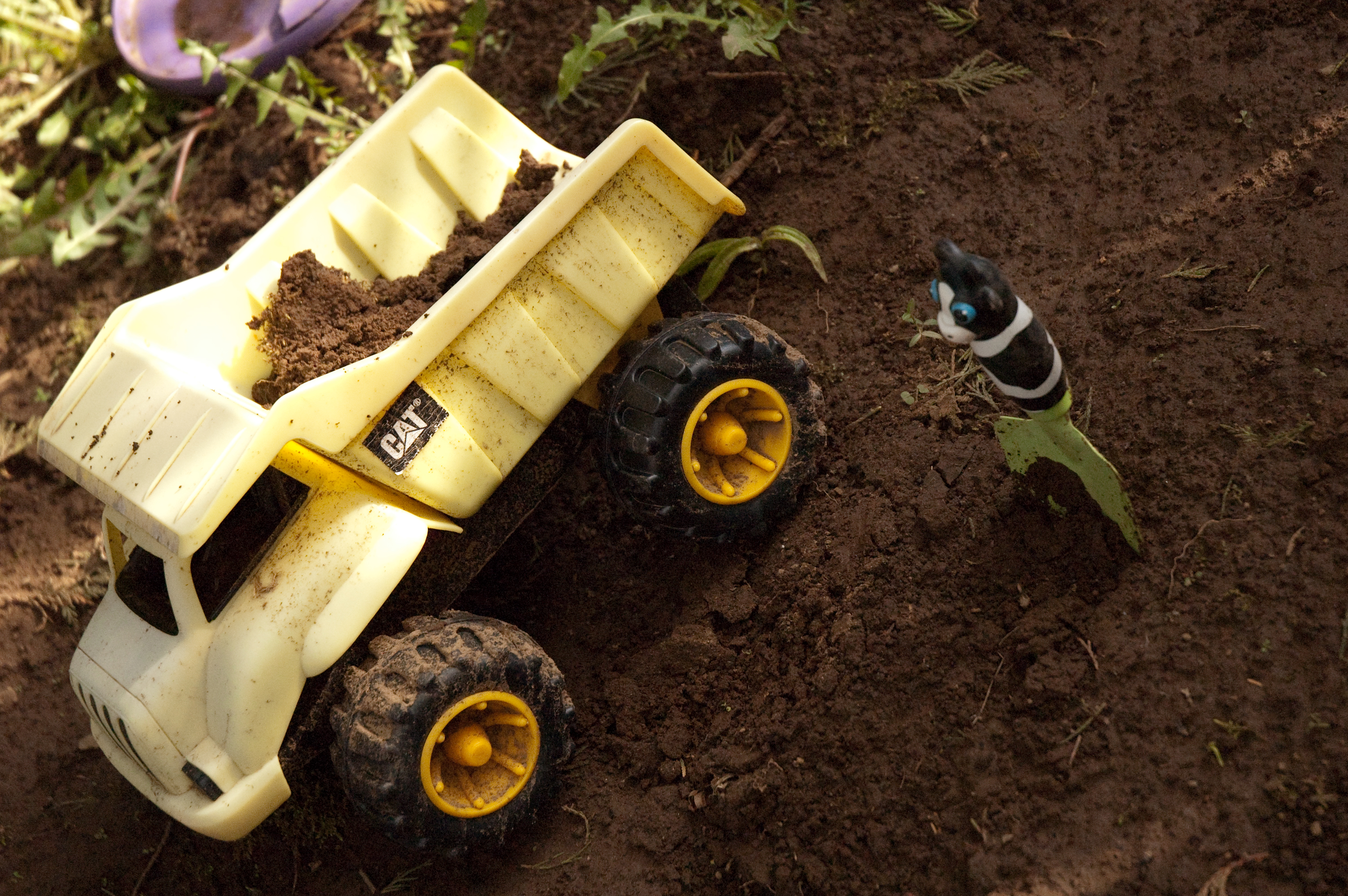 DIRT!! 5 Ways to Have Good Clean Fun with DIRT!!
