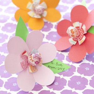 friendship-blossoms-valentines-day-craft-photo-420-FF0210VALENW07