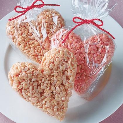 sweet-heart-crispy-treat-valentines-day-recipe-photo-420-FF0202ALM4A01