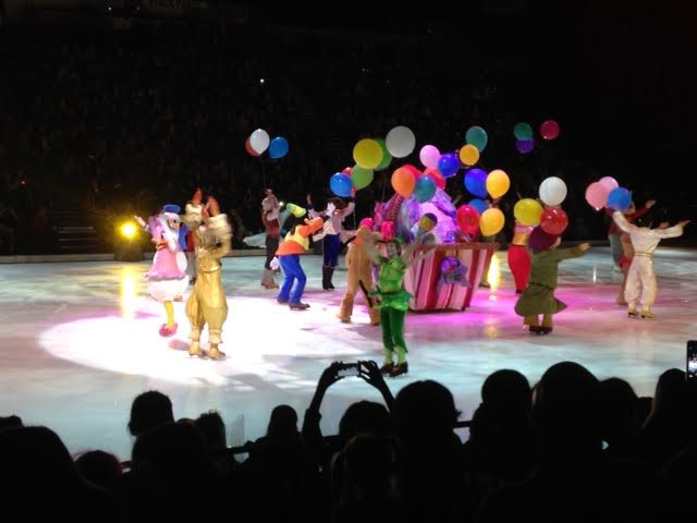 disney on ice let 39 s celebrate review chasing supermom. Black Bedroom Furniture Sets. Home Design Ideas