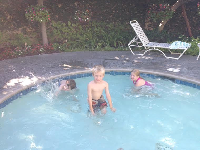 splash pool, toddler pool, small hotel pool