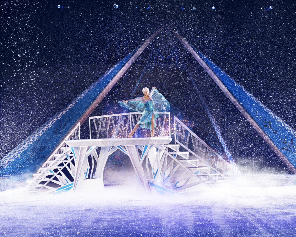 Elsa Makes it Snow